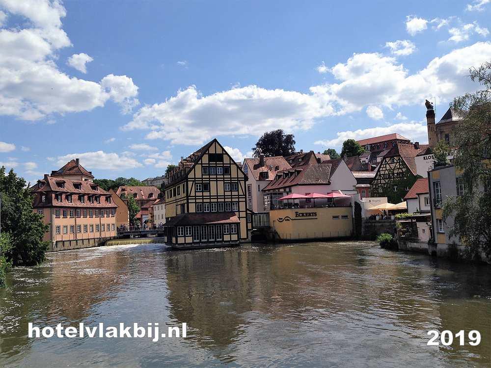 rivier de main door de stad Bamberg