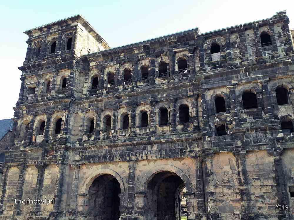Trier Porta Nigra aanzicht vanaf de binnenstad